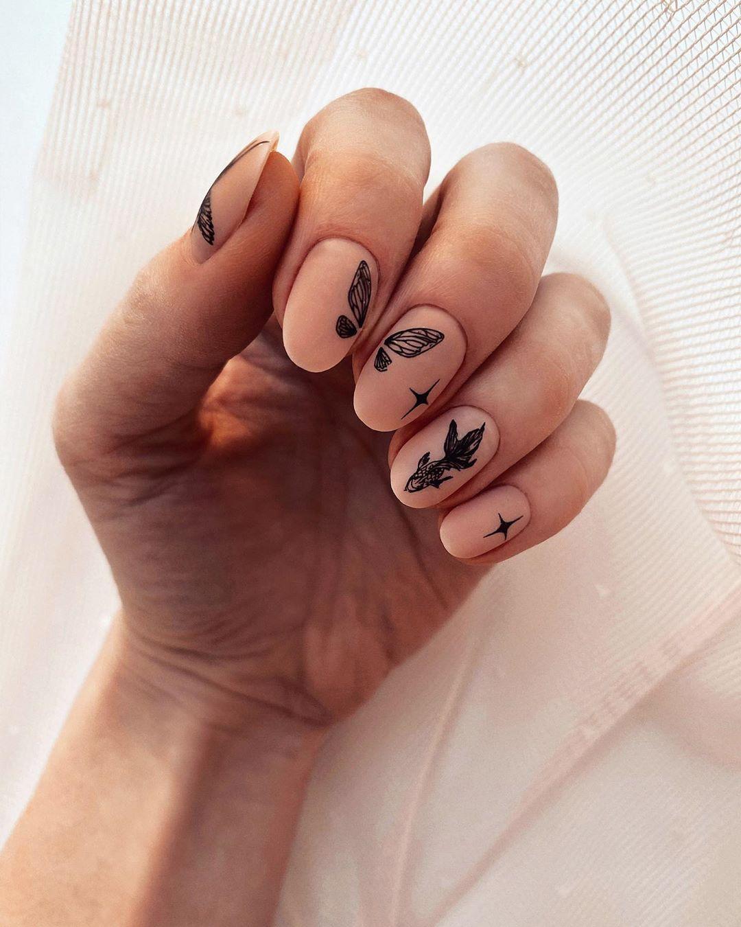 Элегантный маникюр 2021-2022: стильные фото новинки модного дизайна ногтей