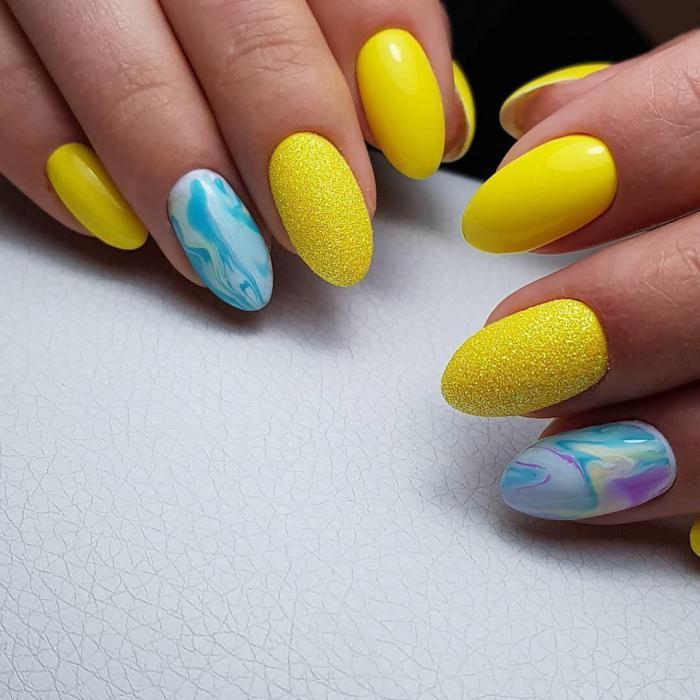 Желтый маникюр 2021. Более 250 фото новинок красивого и модного дизайна ногтей