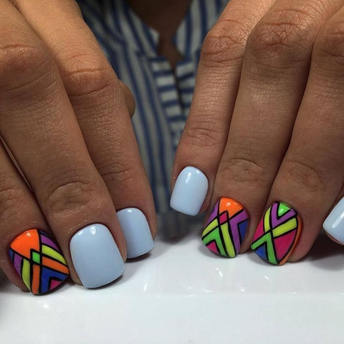 Голубой маникюр 2021. 230 фото новинок красивого и модного дизайна ногтей