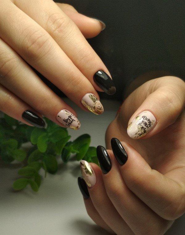Темный маникюр 2021: фото новинки красивого дизайна ногтей на короткие и длинные ногти