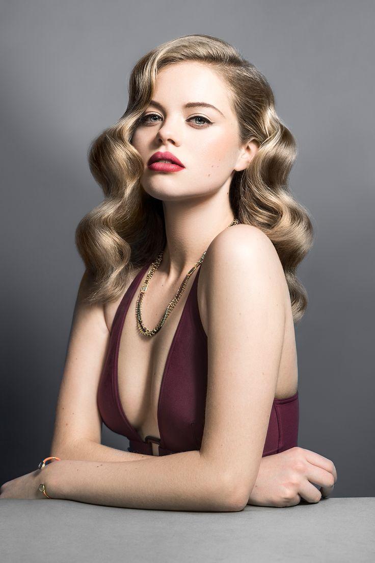 Модные прически с кудрями 2021: фото на разную длину волос