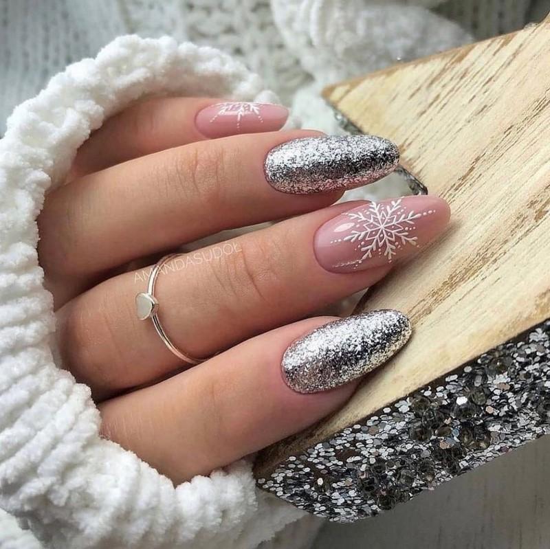 Маникюр на миндалевидные ногти 2021: фото новинки модного и красивого дизайна