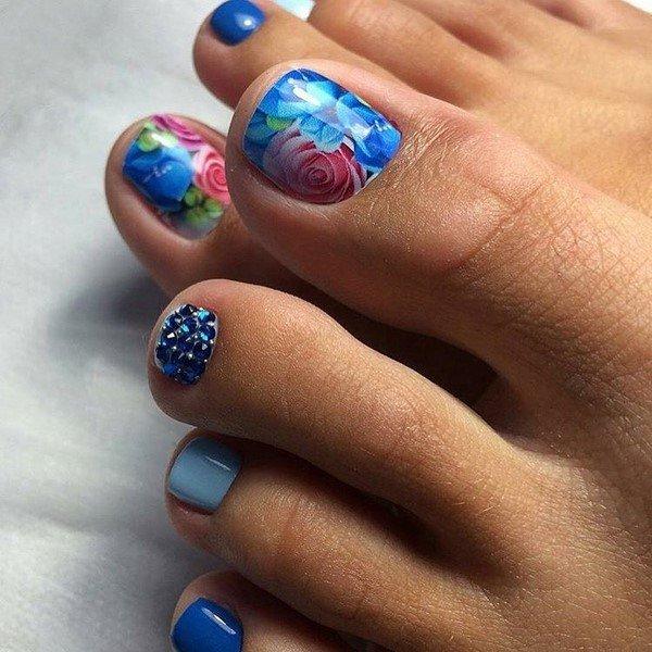 Модный педикюр 2021: свежие фото новинки трендового дизайна ногтей
