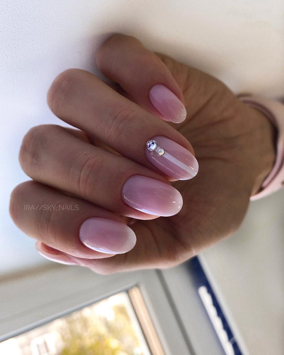 Красивый розовый маникюр 2021. Фото трендового дизайна на короткие и длинные ногти