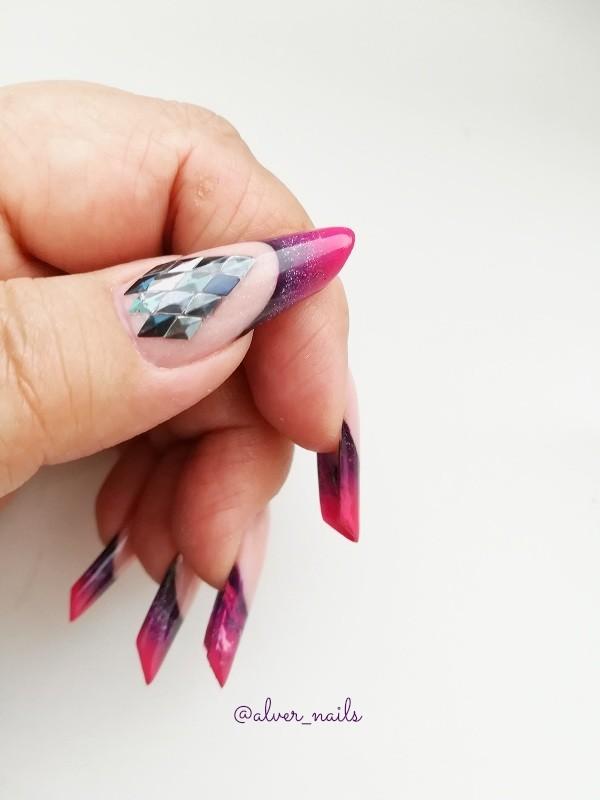 250 фото новинок маникюра с блестками на короткие и длинные ногти